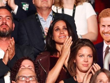 Prinz Harry tritt erstmals öffentlich mit Meghan Markle auf