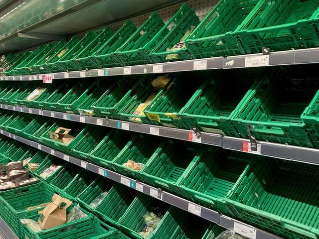 """""""Mmmh, leckeres Foto von Spargel"""": So gehen britische Supermärkte mit Lieferengpässen um"""