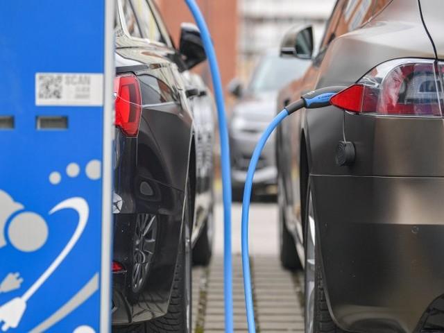 Klimaschutz: Scheuer will zehn Millionen Elektroautos -bis 2030