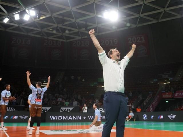Volleyball: Schmetterball ins Zentrum