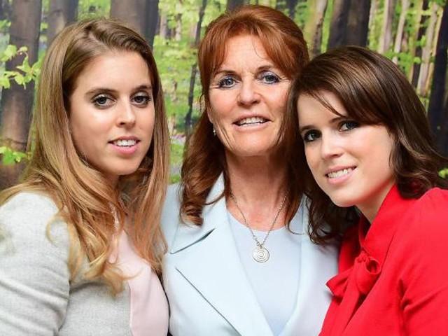 Hochzeit verschoben: Fergie tröstet Tochter Beatrice