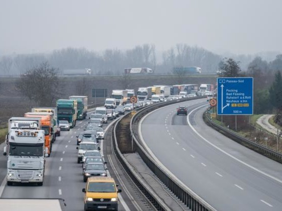 ADAC Stauprognose Ostern 2021: Drohen vollgestopfte Straßen? An DIESEN Tagen könnte es sich stauen