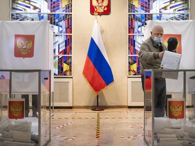 Russische Parlamentswahl: Putin-Partei liegt nach Teilauszählung deutlich vorn