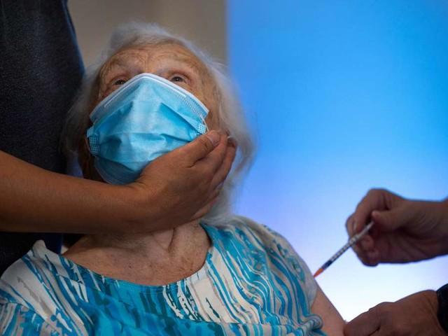 Coronavirus-Impfung: Israel verteilt bereits die dritte Dosis