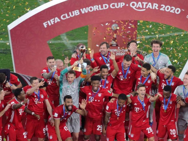 Historischer Triumph in Katar: Bayern ist Weltmeister! Aber ein Aufreger bleibt Thema