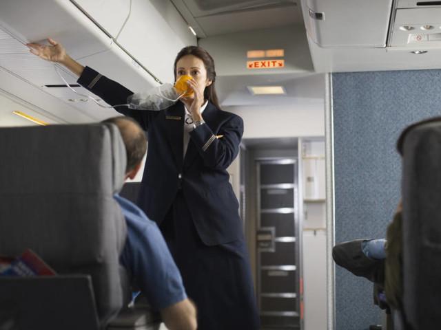 Bei Notfällen in Flugzeugen: Wussten Sie, dass Sauerstoffmasken maximal 20 Minuten reichen?
