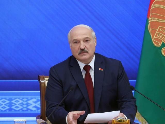 Lukaschenko erzählt seine Version: Uninteressante Oppositionelle, manipulierte Sportlerin