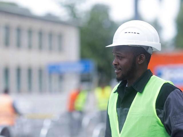 Deutschlands Wohlstand dramatisch von Migranten abhängig