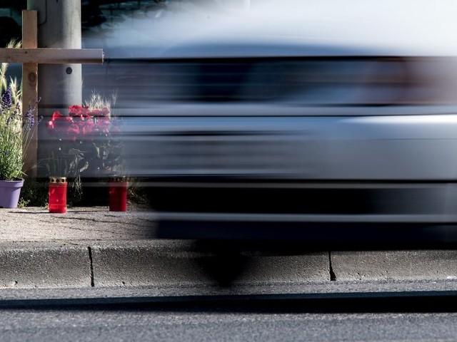Bei Magdeburg: Polizei stoppt Raser mit 214 km/h auf der Bundesstraße