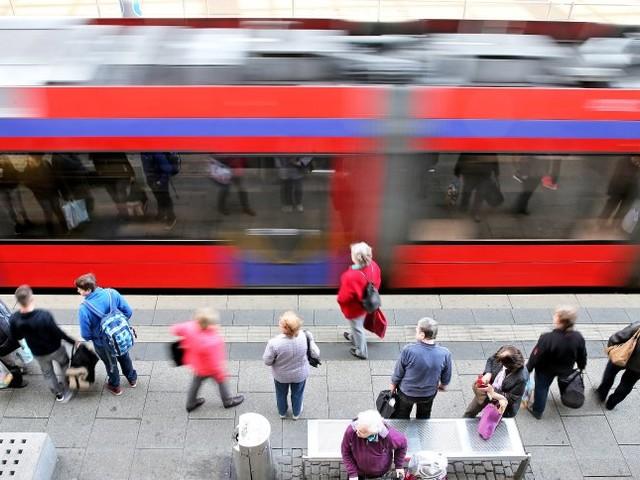 Öffentlicher Nahverkehr: Hofreiter schlägt bundesweite Ein-Euro-Tickets für Busse und Bahnen vor