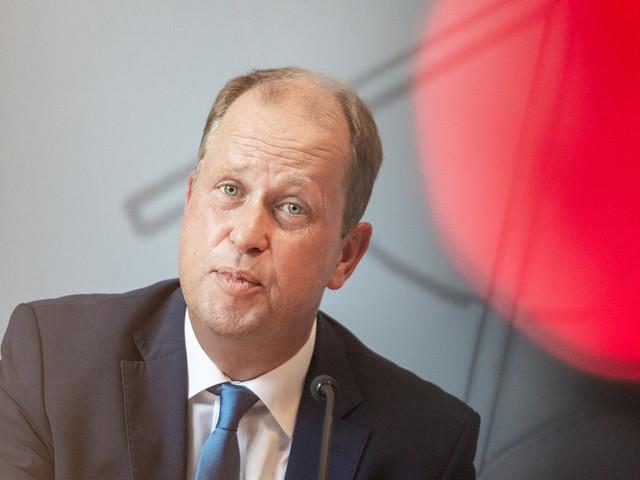 Fall Sami A.: E-Mails setzen Minister Stamp unter Druck
