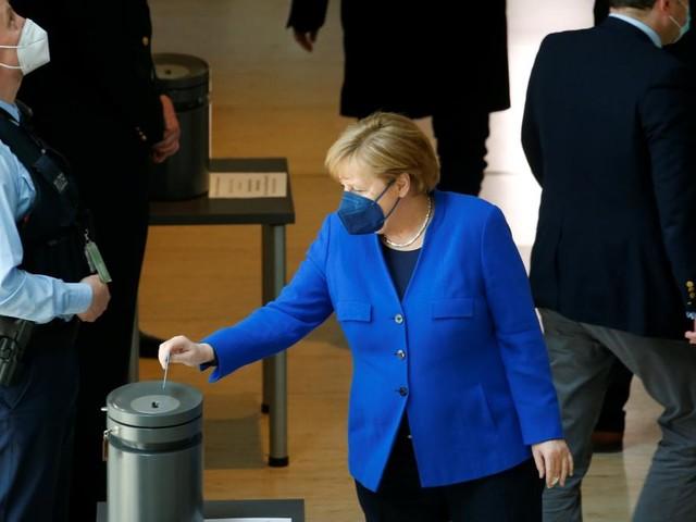 Bundestag stimmt für Erleichterungen für Geimpfte und Genesene