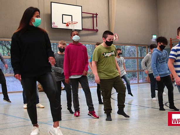 "Tanz-Challenge: Gesamtschule Berger Feld tanzt zu ""Jerusalema"""