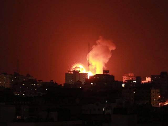 Konflikt in Nahost ist eskaliert: Massive Raketenangriffe auf Israel – Tote in Gaza