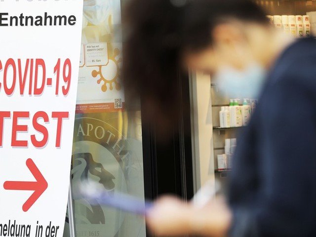 Corona-News: EMA startet Prüfverfahren für Frankreichs Corona-Impfstoff ++ Inzidenz steigt seit über zwei Wochen – 2203 Neuinfektionen