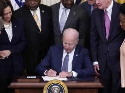 Gedenktag - Biden unterzeichnet Gesetz für Feiertag zum Skaleverei-Ende