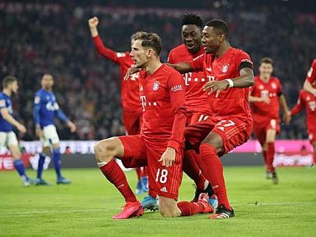 Bundesliga: Dominant und hochverdient: Bayern fertigt Schalke ab und rückt Leipzig auf die Pelle