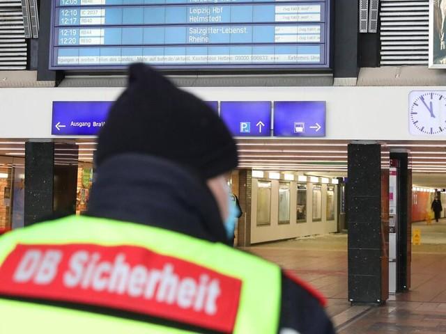 Mitarbeiter der Bahn droht nach Attacke eines Maskenverweigerers zu erblinden