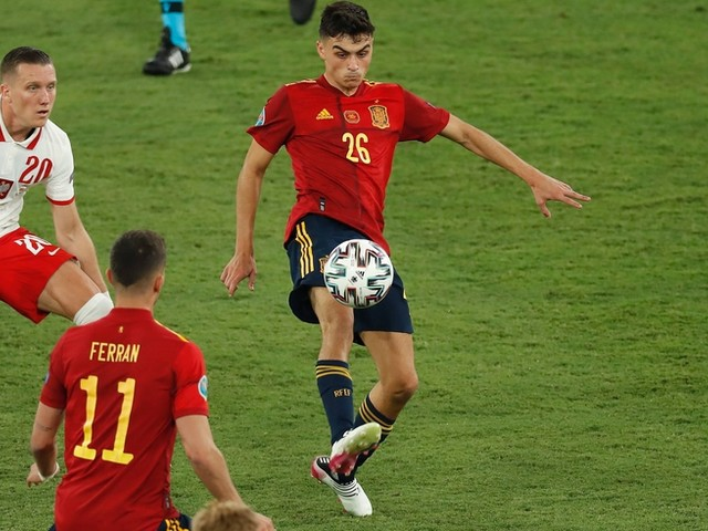 """""""Ich habe noch nie einen 18-Jährigen mit so viel Persönlichkeit und Qualität gesehen"""": So verzaubert Pedri die spanische Fußballwelt – und führte das Team ins EM-Halbfinale gegen Italien"""