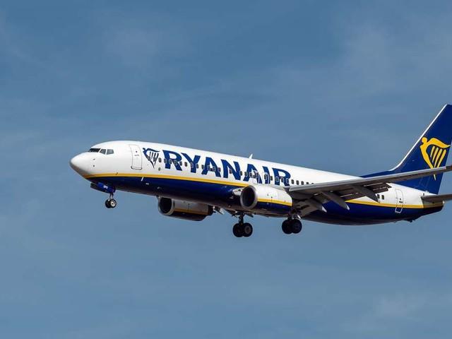 Flugzeug füllt sich mit Rauch: Pilot muss notlanden - Passagiere harren ohne Sauerstoffmasken aus