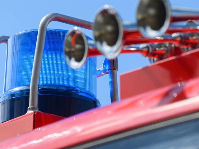 Einsatz im Schmerbachweg: Feuerwehr löscht brennendes Carport in Bad Honnef