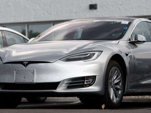 Tesla-Autos werden alt – an diesem Detail sieht man es