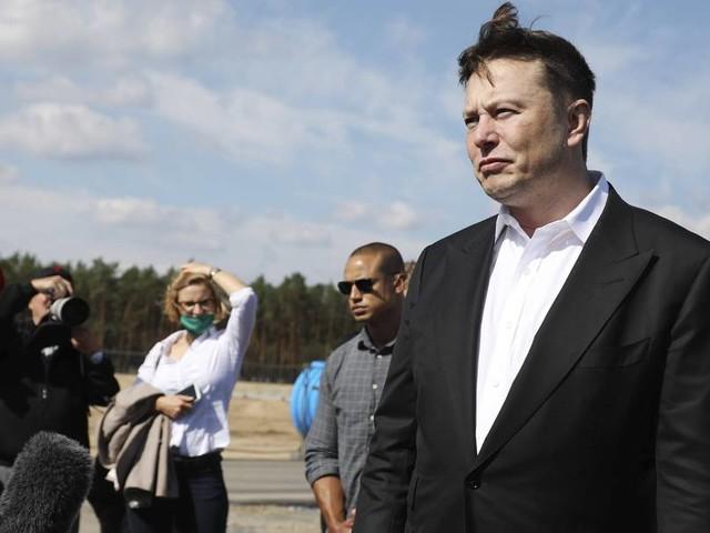 Rückschlag für Elon Musk: Anhörung von Kritikern der Tesla-Fabrik in Grünheide muss wiederholt werden