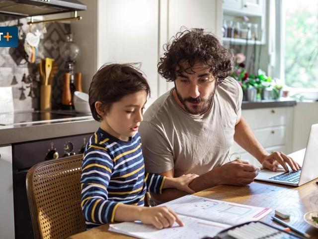 Wie Eltern jetzt die Lerndefizite ihrer Kinder ausbügeln können