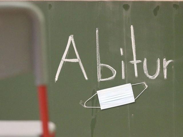 Trotz Corona-Pandemie: Abiturienten in Deutschland sollen Prüfungen ablegen