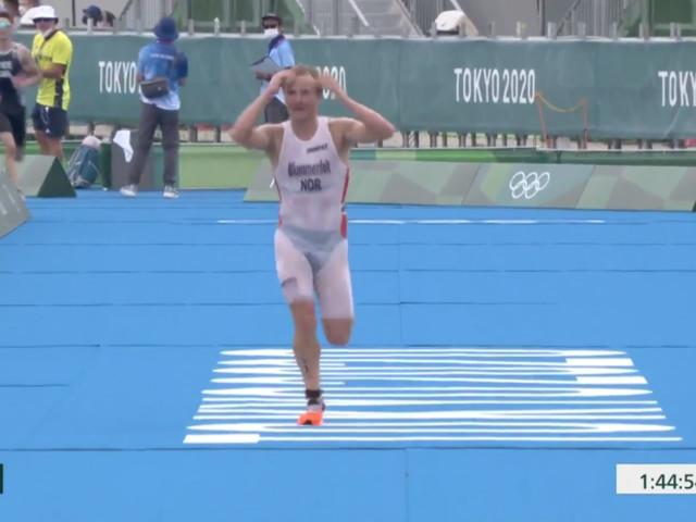 Kuriose Szene: Olympiasieger übergibt sich plötzlich