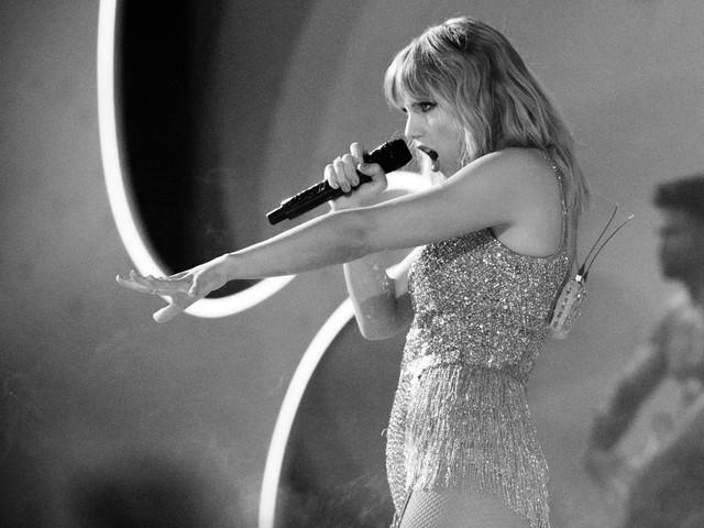 Scooter Braun behauptet, er habe Taylor Swift ihre Alben-Rechte zum Kauf angeboten