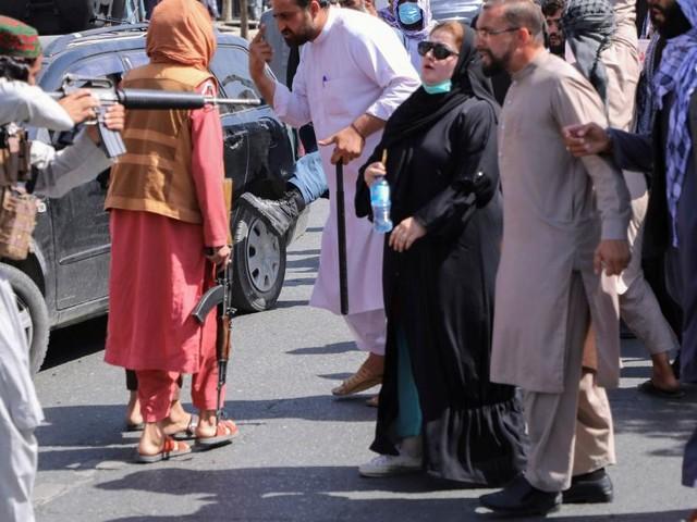 Taliban lösen Proteste in Kabul mit Schüssen auf
