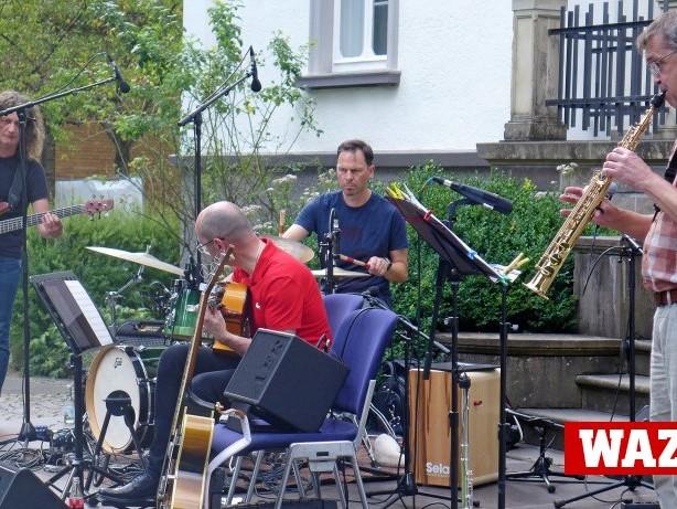 Konzert: Tres Notas begeistern bei Kreuztal Kultur in Dreslers Park
