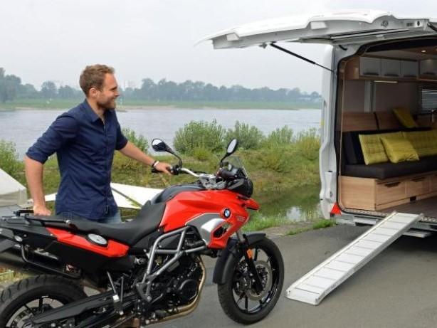 Für die letzte Meile: Zweiräder in Wohnmobil mitnehmen