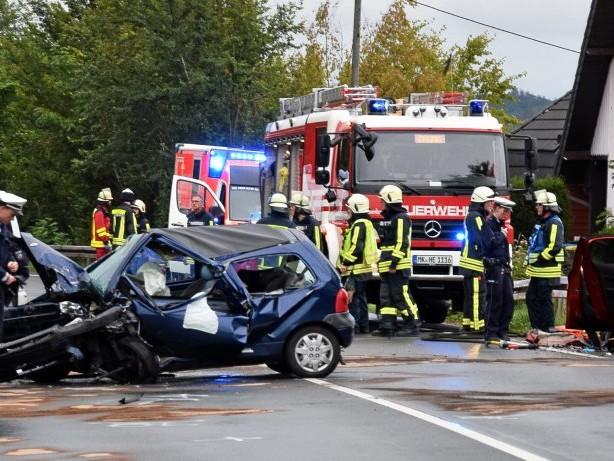 Unfall: Vier Verletzte bei schwerem Verkehrsunfall in Hemer