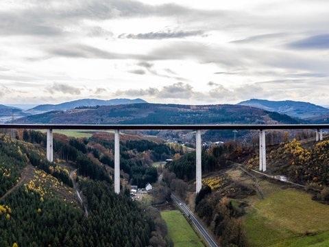 Höchste NRW-Brücke, letzte Lücke: Neue Autobahnstrecken frei