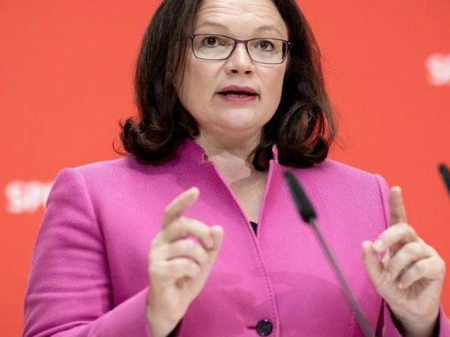 Parteivorsitzende - Scherzen und strafen: Wie SPD-Chefin Nahles bei ihren Leuten an Autorität verliert