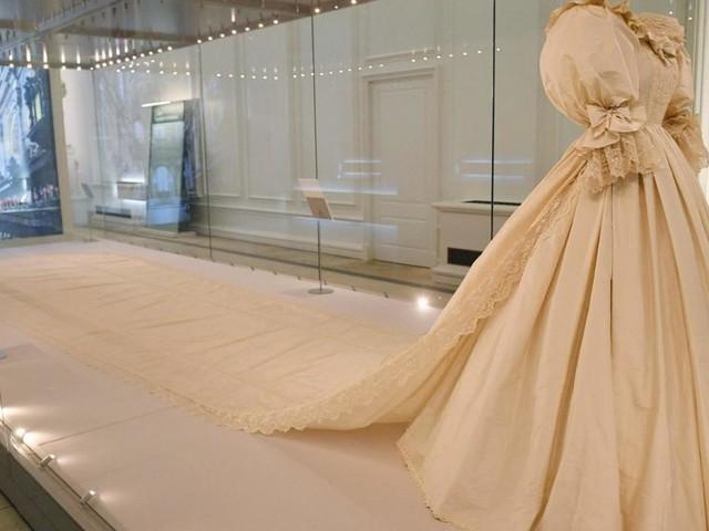 Brautmode von Lady Di bis heute - zum Bewundern und Nachshoppen