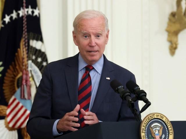 Corona weltweit: Biden greift Gouverneure für Corona-Politik an