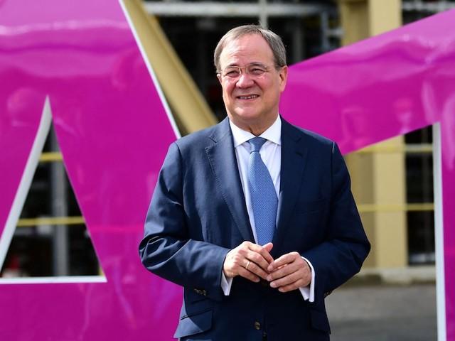 Showformat nur mit Baerbock und Scholz - Laschet sagt ProSieben ab – Show zur Bundestagswahl nur mit Baerbock und Scholz