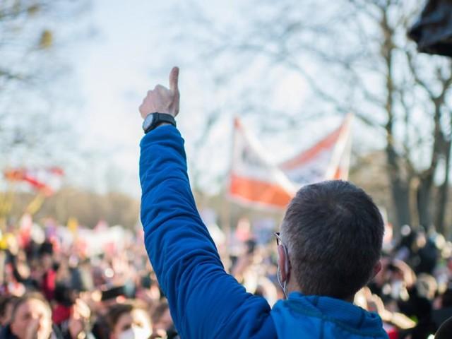 Schlagabtausch zwischen Nehammer und FPÖ nach Corona-Demos