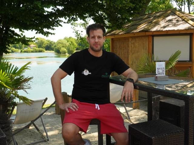 Lounge-Feeling statt Badbuffet am Ratzersdorfer See