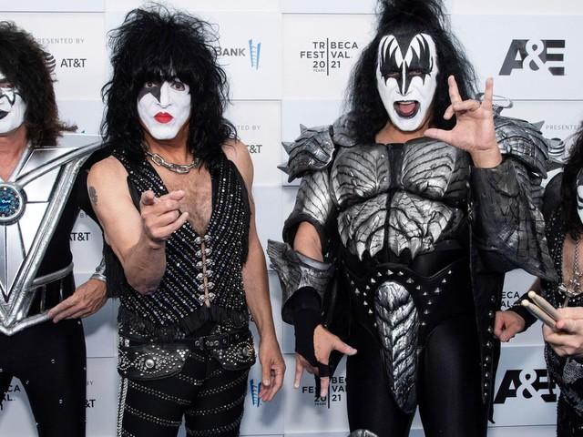 """Fünf Jahrzehnte Bandgeschichte: Rockband Kiss veröffentlicht Dokumentation: Legendäre """"Geschichte von vier Schwachköpfen"""""""