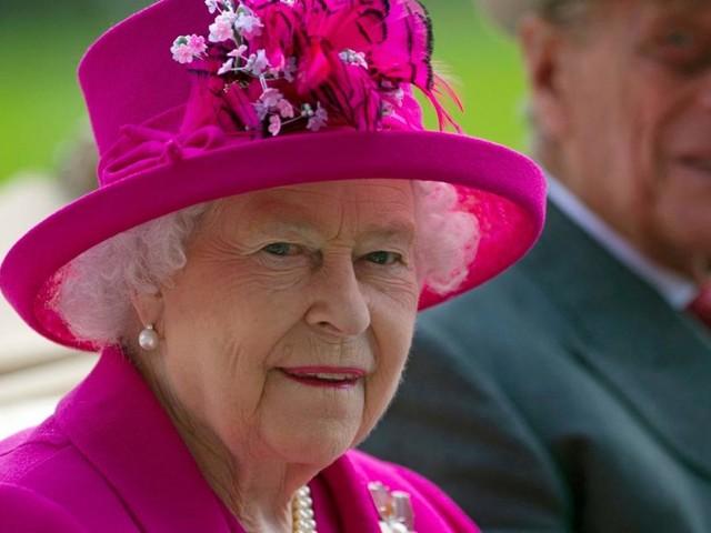 Warum Queen Elizabeth und Prinz Philip in ihrer Hochzeitsnacht nicht alleine waren