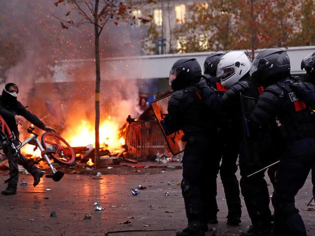 Streiks gehen weiter: Frankrreichs Regierung verteidigt Rentenpläne