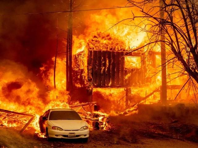 Waldbrand zerstört historische Stadt Greenville in Kalifornien