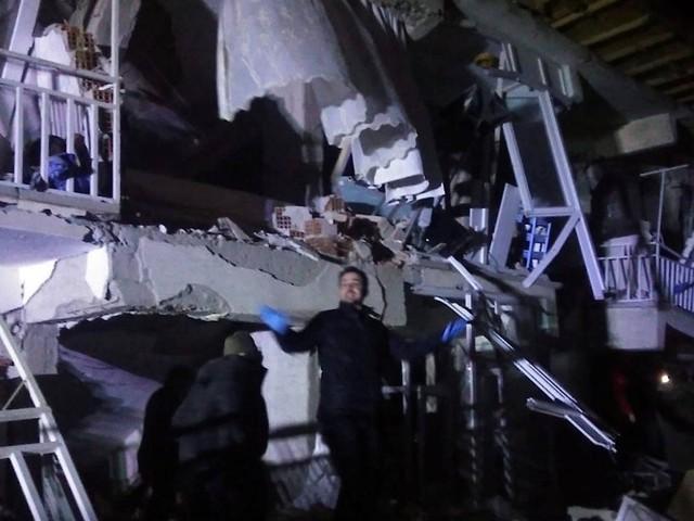 Schweres Erdbeben mit einer Stärke von 6,8 erschüttert Türkei