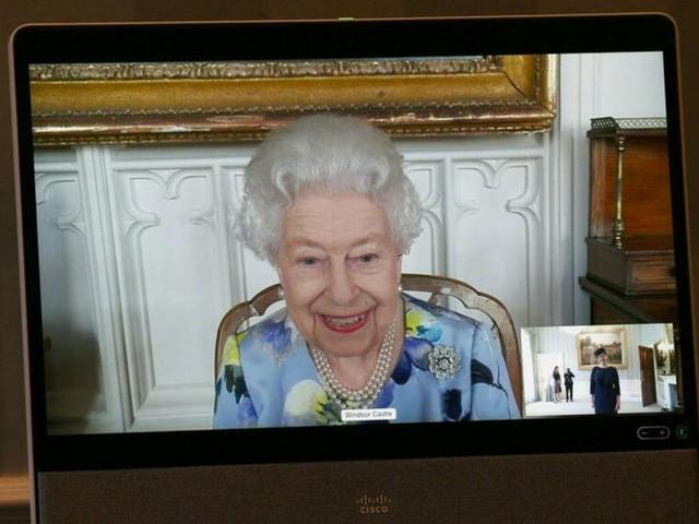 Britische Königin: Sie lacht wieder: Queen Elizabeth II. absolviert ersten Termin nach Prinz Philips Tod