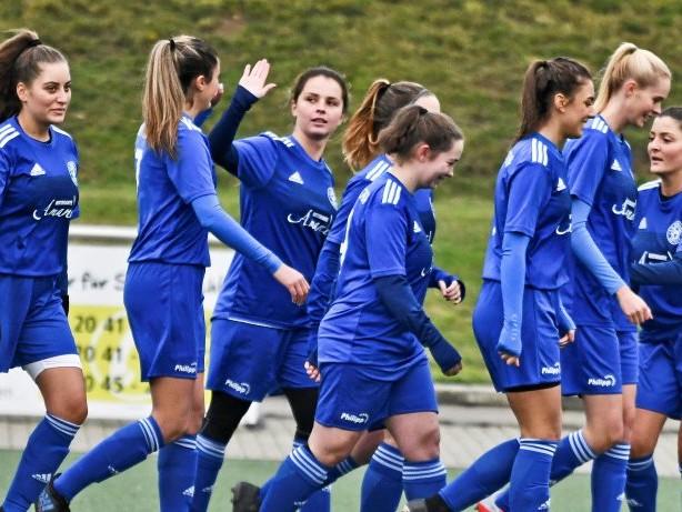 Frauenfußball Bezirksliga: SV Rhenania Bottrop will die Herbstmeisterschaft