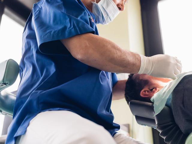Krebs: Mann kann nur Flüssiges zu sich nehmen, weil Ärzte Fehldiagnosen stellten